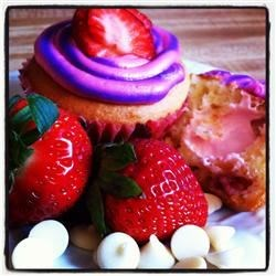Strawberry Cupcakes with White Chocolate Chips