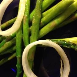 Pan-Fried Asparagus with Onions Recipe