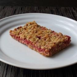 strawberry oatmeal breakfast bars printer friendly