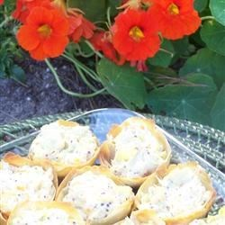 Cheesy Artichoke Mini Tarts