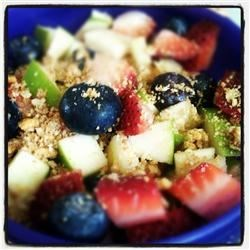 Fresh fruit bowl w/strawberries, blueberries, green apples, & granola