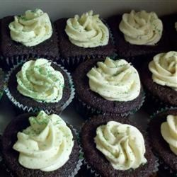Chocolate Beer Cupcakes With Whiskey Filling And Irish Cream Icing Recipe