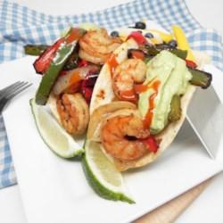 easy grilled shrimp fajitas printer friendly