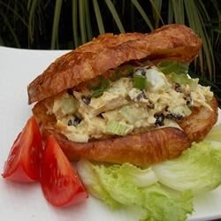 Crunchy Curry Tuna Sandwich Recipe