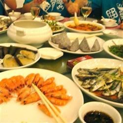 Shrimp eyes and salted fish in China
