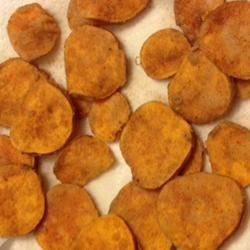 Photo of Fried Cinnamon Sweet Potato Chips by LAURISSIMA