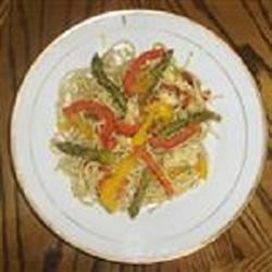 Colorful Chicken Pesto with Asparagus, Sun Dried Tomatoes and Peppers Recipe