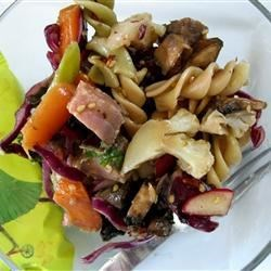 Asian Pasta Salad with Beef, Broccoli and Bean Sprouts By: USA WEEKEND columnist Pam Anderson