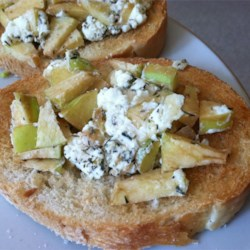 Apple Goat Cheese Bruschetta Recipe