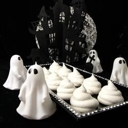 Peppermint Ghost Meringues