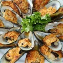 Baked Mussels in Dynamite Sauce