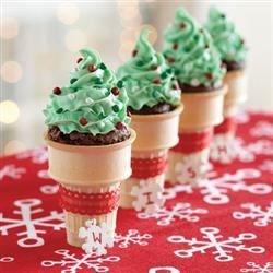 Funfeti Holiday Brownie Cones-Spoonful.com