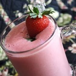 Strawberry-Yogurt Shake