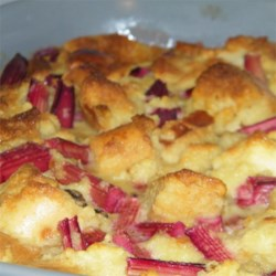 Old Fashioned Rhubarb Bread Pudding Recipe