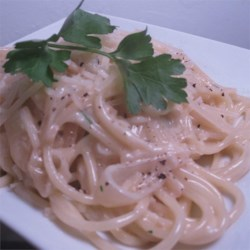 Creamy Garlic and Onion Spaghetti