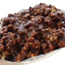 Chocolaty Caramel-Nut Popcorn Recipe