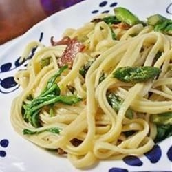 Linguine with Asparagus, Bacon, and Arugula Recipe