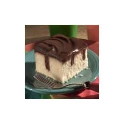 Chocolate Pudding Poke Cake Recipe