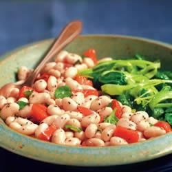 BUSH'S(R) White Bean Salad with Tomatoes, Basil and Garlic Recipe