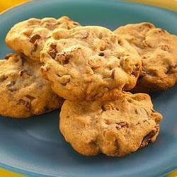 Reese's(R) Classic Peanut Butter and Milk Chocolate Chip Cookies Recipe