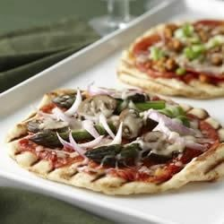Photo of Grilled Pizza by ARGO®,  KARO®  and FLEISCHMANN'S®
