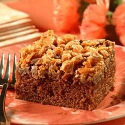 Crumbled-Topped Chocolate Peanut Butter Cake Recipe
