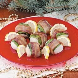 Photo of Bacon-Wrapped Scallops by Pamela MacCumbee