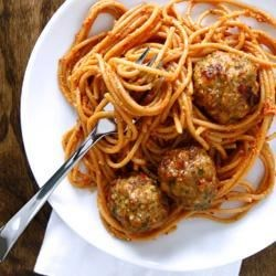 Creamy Sun-Dried Tomato Spaghetti and Turkey Meatballs