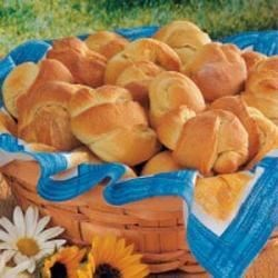 Photo of No-Knead Knot Rolls by Toni  Hilscher