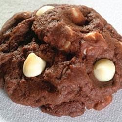 Toll House(R) White Chip Chocolate Cookies Recipe