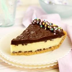 Easy Chocolate Chip Cheesecake Pie