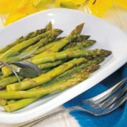 Photo of Roasted Asparagus with Balsamic Vinegar by Natalie  Peterson