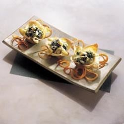 Artichoke Spinach Spread in Wonton Baskets Recipe