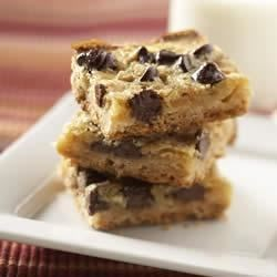 Gooey Chocolate Peanut Butter Bars Recipe
