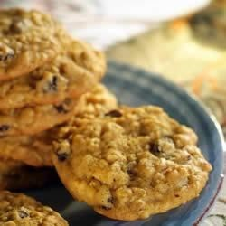 Pumpkin-Oatmeal Raisin Cookies Recipe