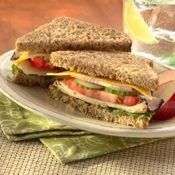 Photo of Garden Chicken and Cheese Sandwich by Sargento®