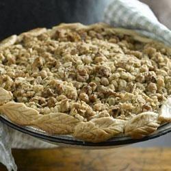 California Walnut Streusel Apple Pie