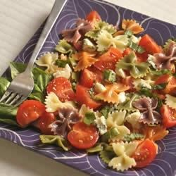 Wacky Mac(R) Five-Ingredient Tomato and Basil Salad Recipe