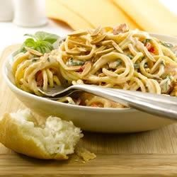 Pasta with Chicken and Almond Cream