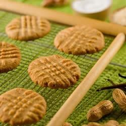 GET RAW Peanut Butter Cookies Recipe