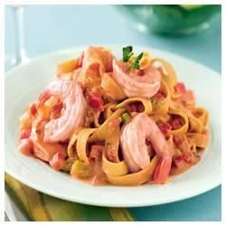 Creamy Shrimp Alfredo with Tomato and Basil Recipe