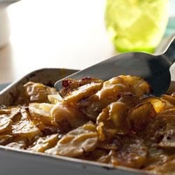 Cheddar Potato and Gravy Bake