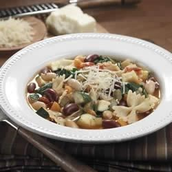 BUSH'S(R) Red, White and Bean Minestrone Recipe