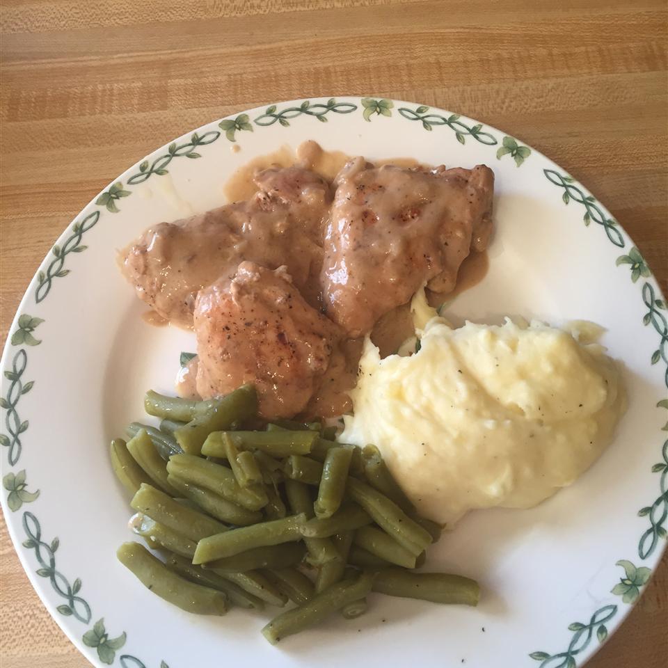 Chicken In Sour Cream Adrianne Castleberry