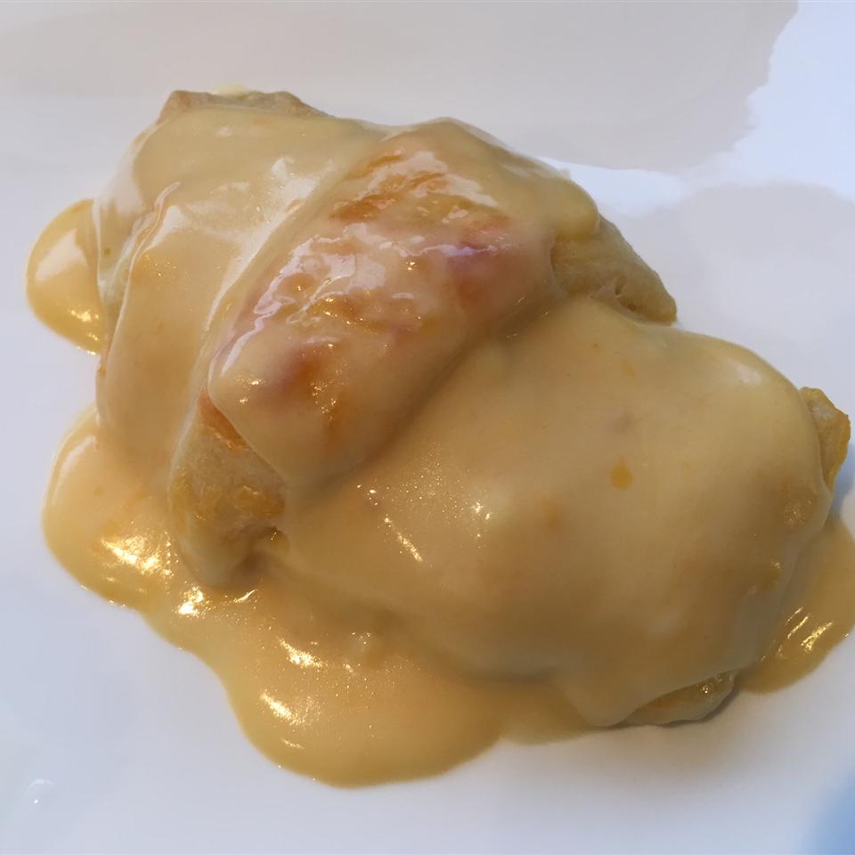 Cheesy Chicken Rolls frog69