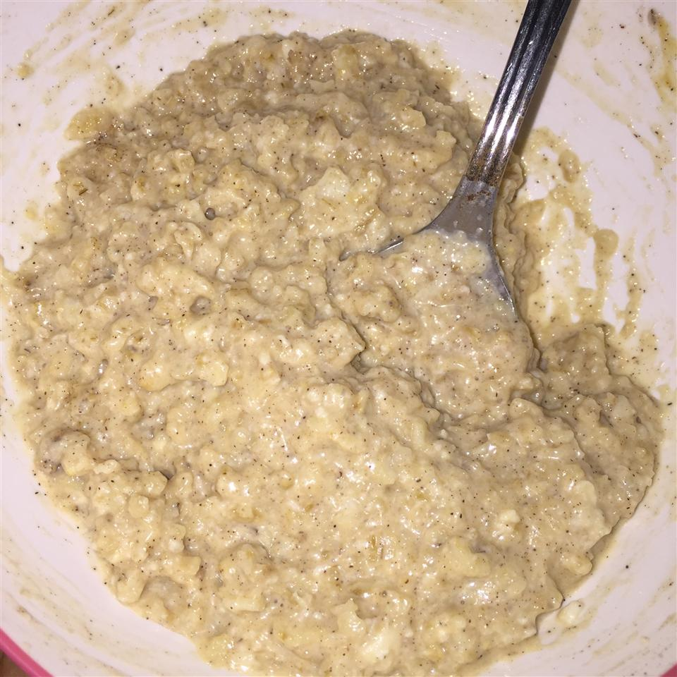 Quick and Easy Peanut Butter Oatmeal
