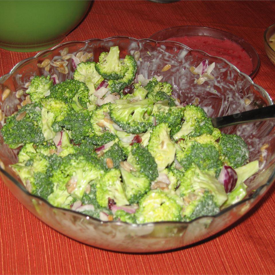 Easy Broccoli Salad I Ann