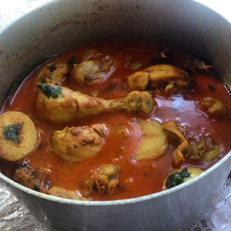 Bengali Chicken Curry with Potatoes