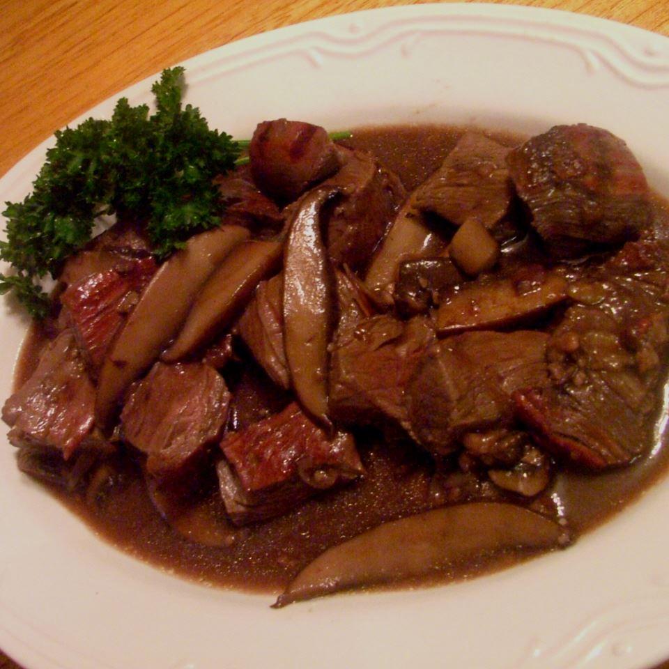 Steak Tips with Mushroom Sauce