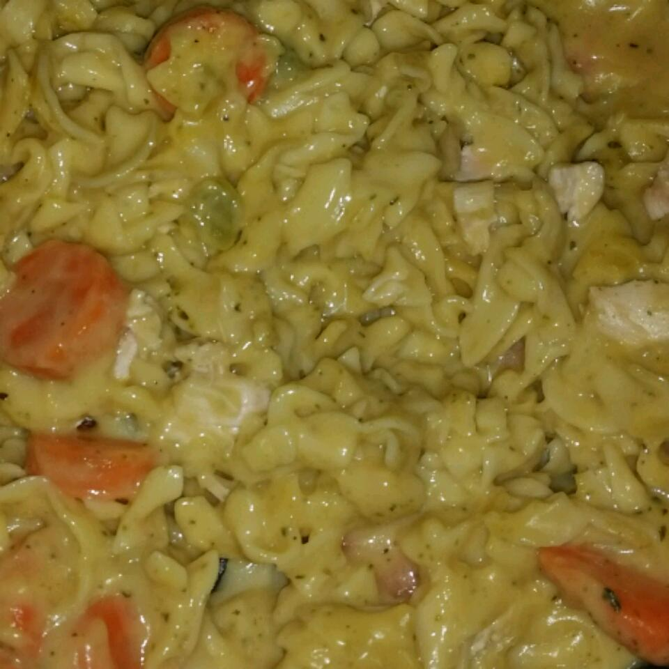Incredibly Easy Chicken and Noodles Sara87